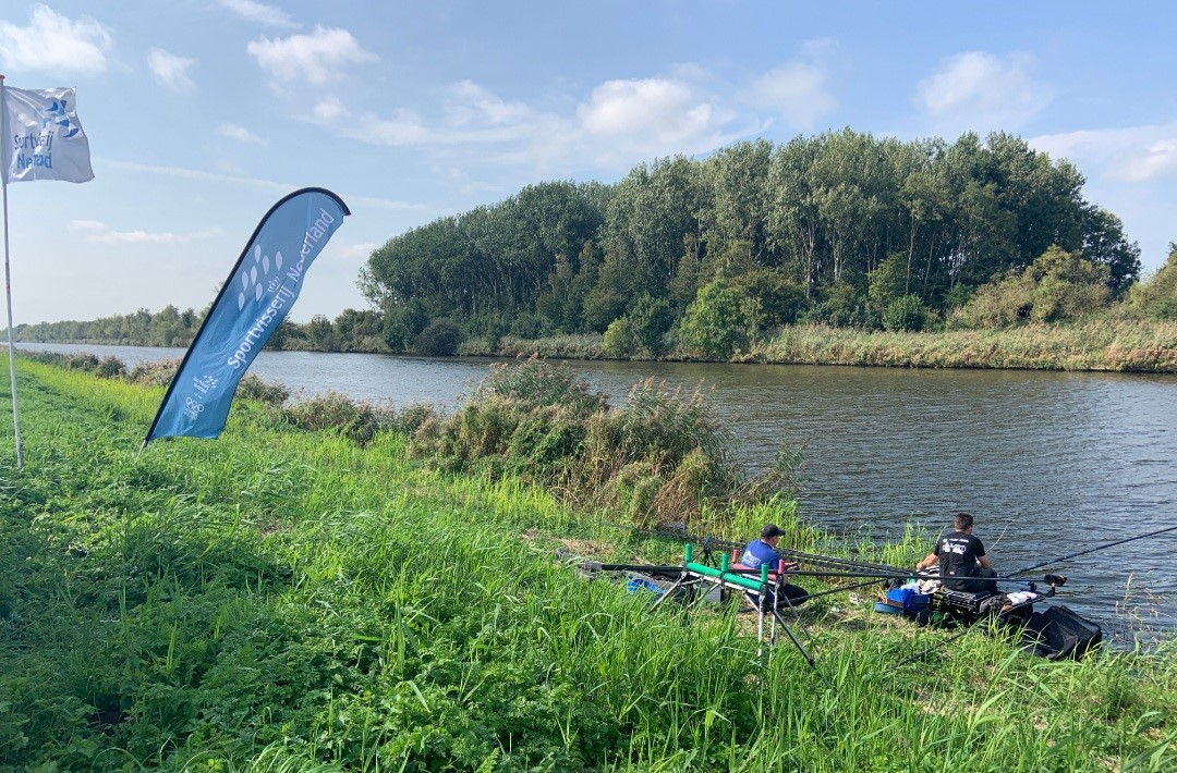 EVEZET MAVER FISHING TEAM  Winnaar NK dobber teams